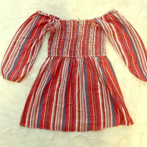 Vici Dresses & Skirts - En Creme Vici Smocked Off Shoulder Mini dress sz S